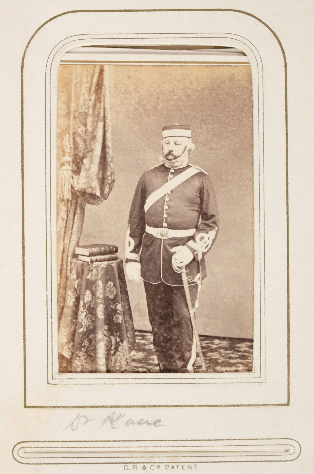 * Cartes de visite. A group of 3 albums of cartes de visite and cabinet cards - Image 26 of 26
