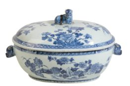 CHINESE EXPORT BLUE AND WHITE OVAL TUREEN AND COVER, KANGXI PERIOD