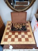 A TURNED WOODEN CHESS SET