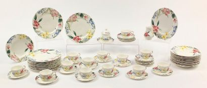 Villeroy & Boch Flora Bella dinner and teaware including plates and cups with saucers