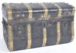 18TH CENTURY LEATHER AND BRASS BOUND DOMED TRAVELL