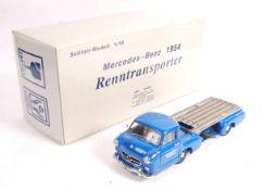 RARE CMC 1/18 SCALE MERCEDES BENZ 1954 RENNTRANSPORTER