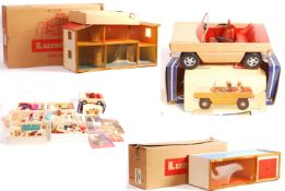 INCREDIBLE LARGE COLLECTION OF VINTAGE LUNDBY DOLLS HOUSE ITEMS