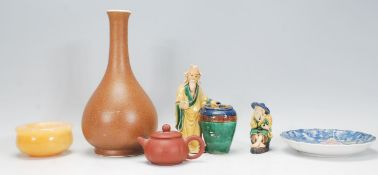 A mixed collection of vintage 20th Century Chinese ceramics to include a pear shaped vase finished