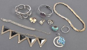 COLLECTION OF COSTUME JEWELLERY FROM PETER WYNGARD