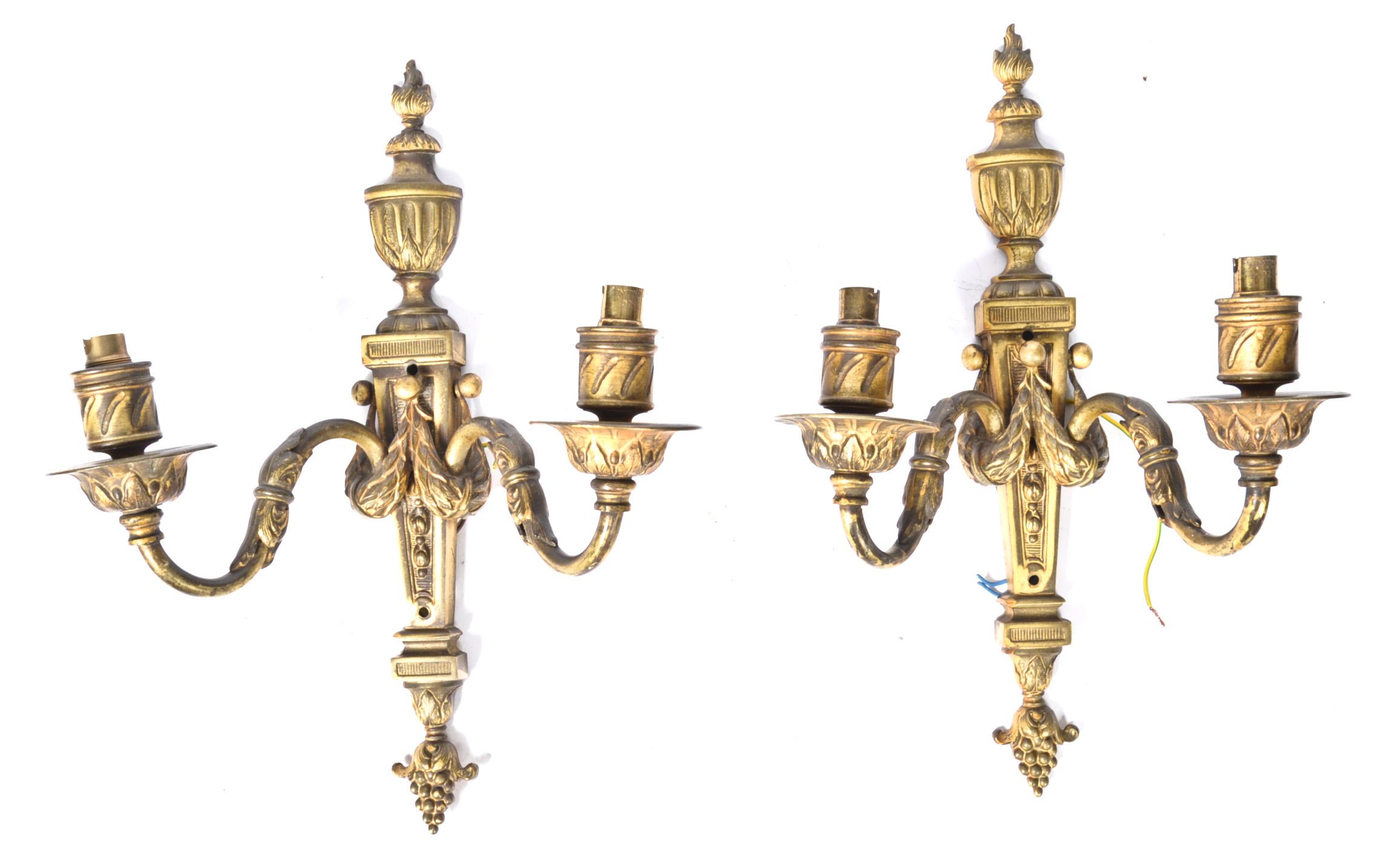 Lot 33 - PAIR OF EDWARDIAN GILT BRONZE WALL LIGHTX IN THE A