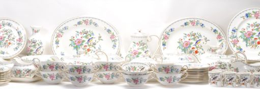 Aynsley Pembroke - A Bone China English part dinner / tea and coffee service by Aynsley hand painted