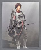 SOLO - A STAR WARS STORY - THANDIE NEWTON AUTOGRAP
