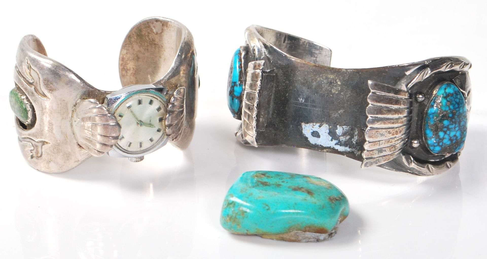 Los 772 - Two pieces of silver white metal Native American Navajo jewellery to include a bangle set with a