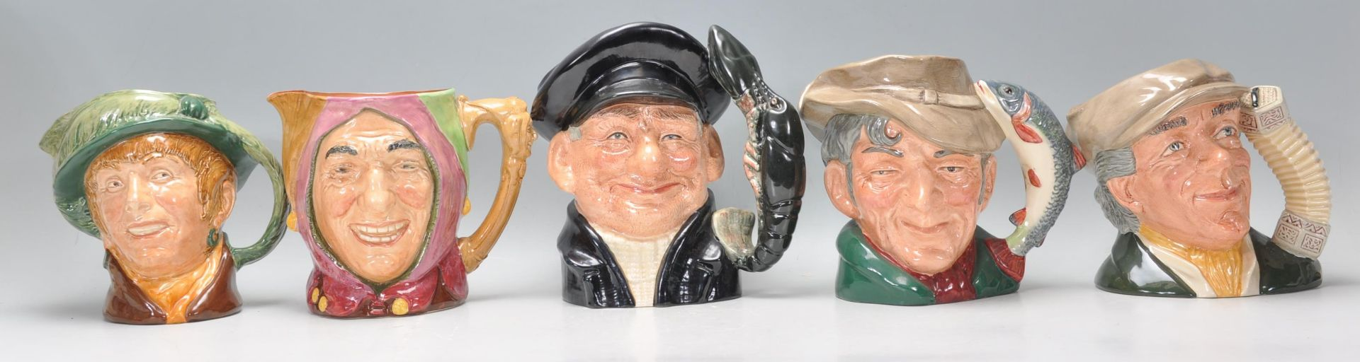 Los 12 - A group of fiveRoyal Doulton ceramic Character /