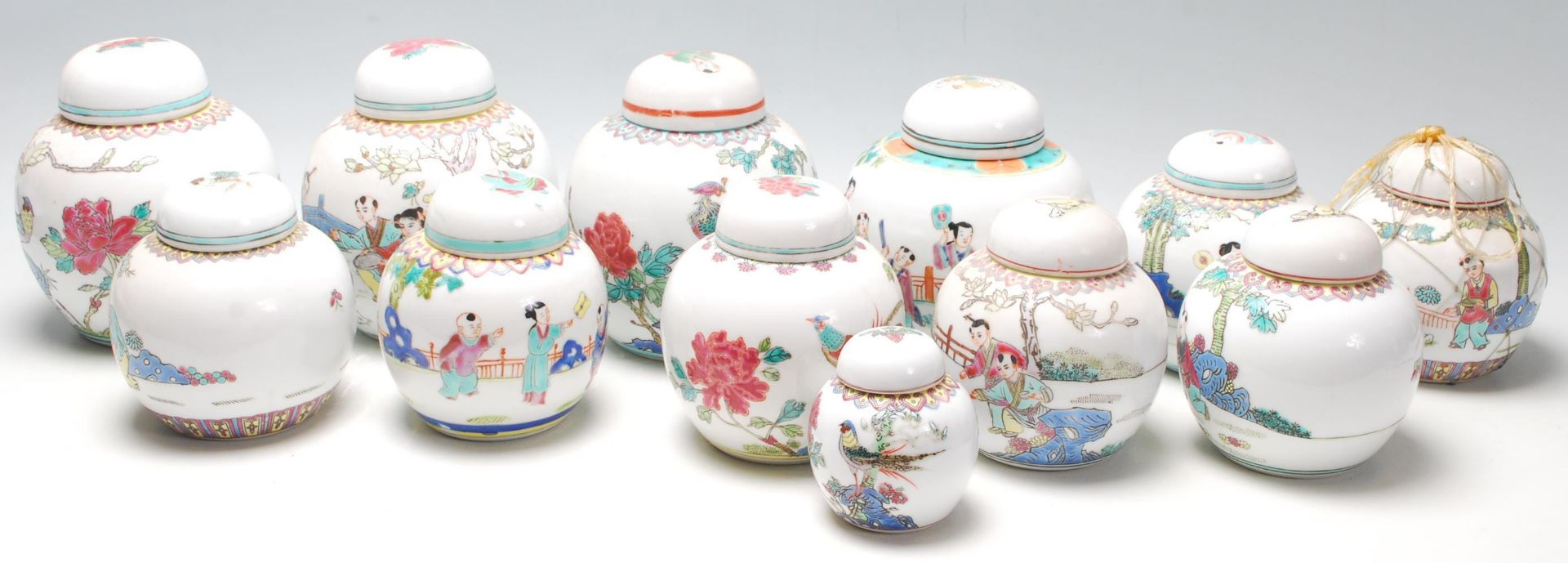 Los 122 - A collection of 20th Century Chinese republic period ginger jars decorated with famille rose