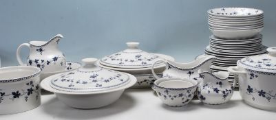 Royal Doulton - Yorktown - A large fine bone china dinner service decorated with blue floral