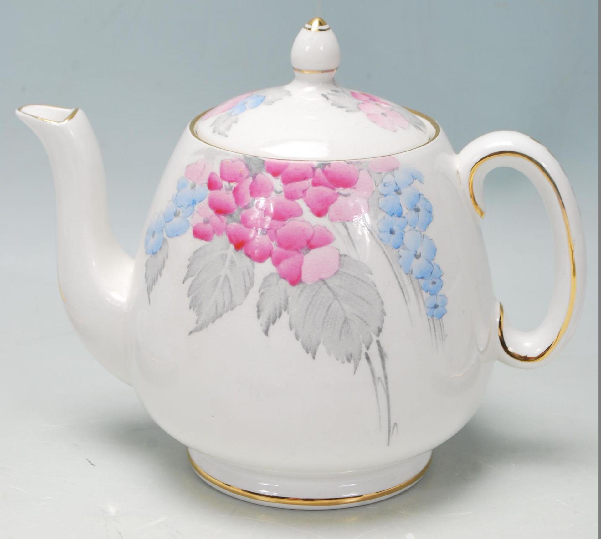 Los 1 - A vintage Art Deco 1930's Shelley bone china tea set / service / tea for two breakfast set being
