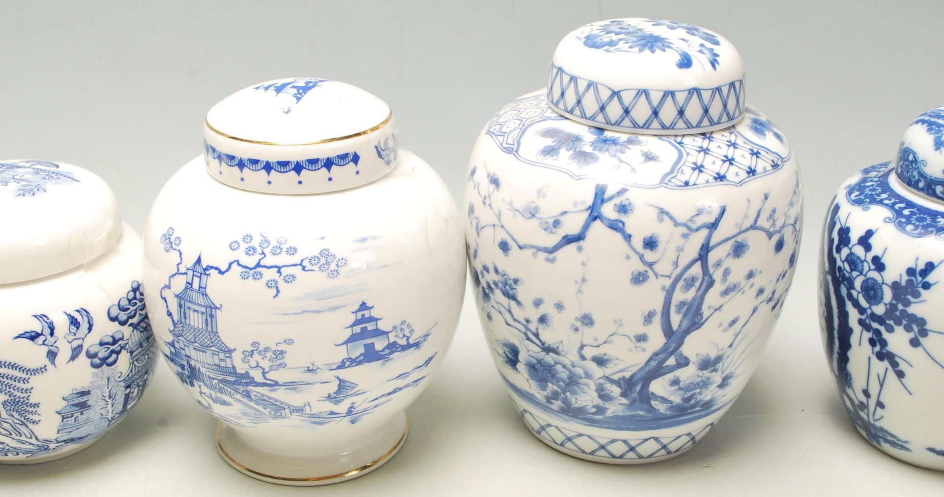 Los 116 - A collection of fifteen 20th Century Chinese blue and white printed ginger jars to include a good