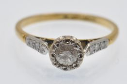 An Antique 18ct Gold Platinum & Diamond Solitaire Ring