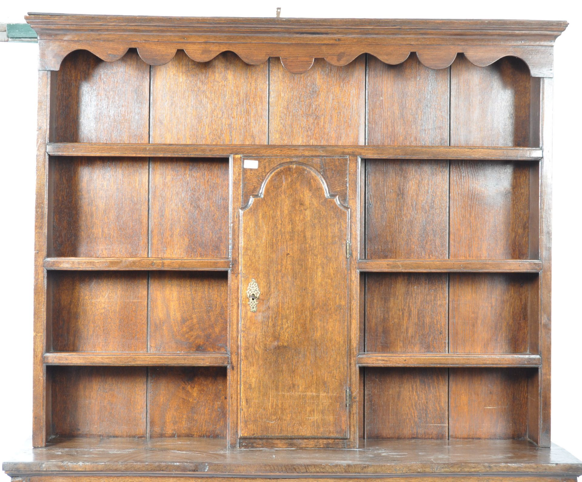 Los 290 - 18TH CENTURY GEORGIAN ENGLISH ANTIQUE OAK DRESSER