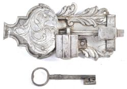 17TH CENTURY ANTIQUE ENGRAVED IRON LOCK AND KEY