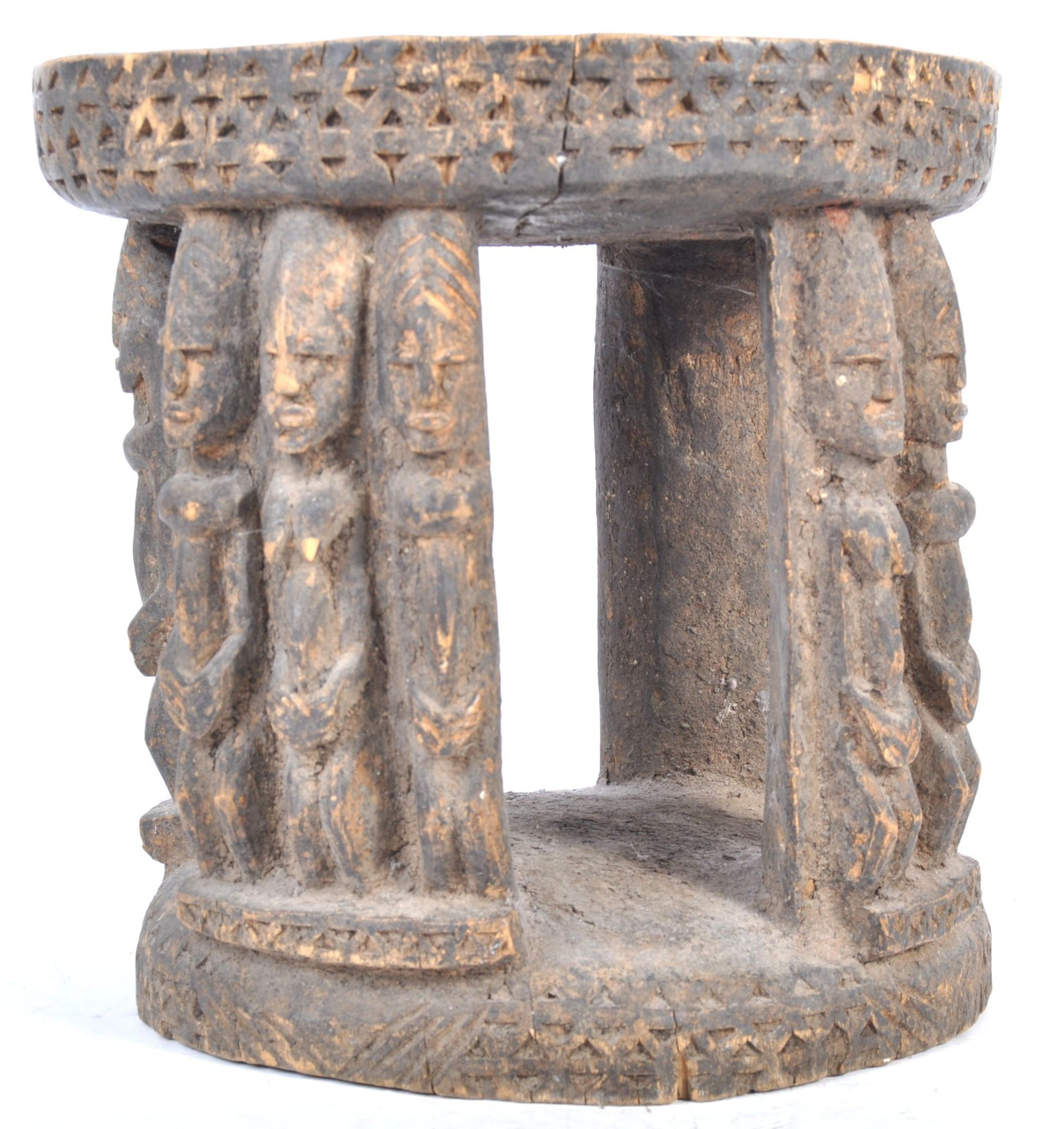 Los 574 - TRIBAL ANTIQUITIES - 19TH CENTURY BAMILEKE LEGA TRIBAL STOOL