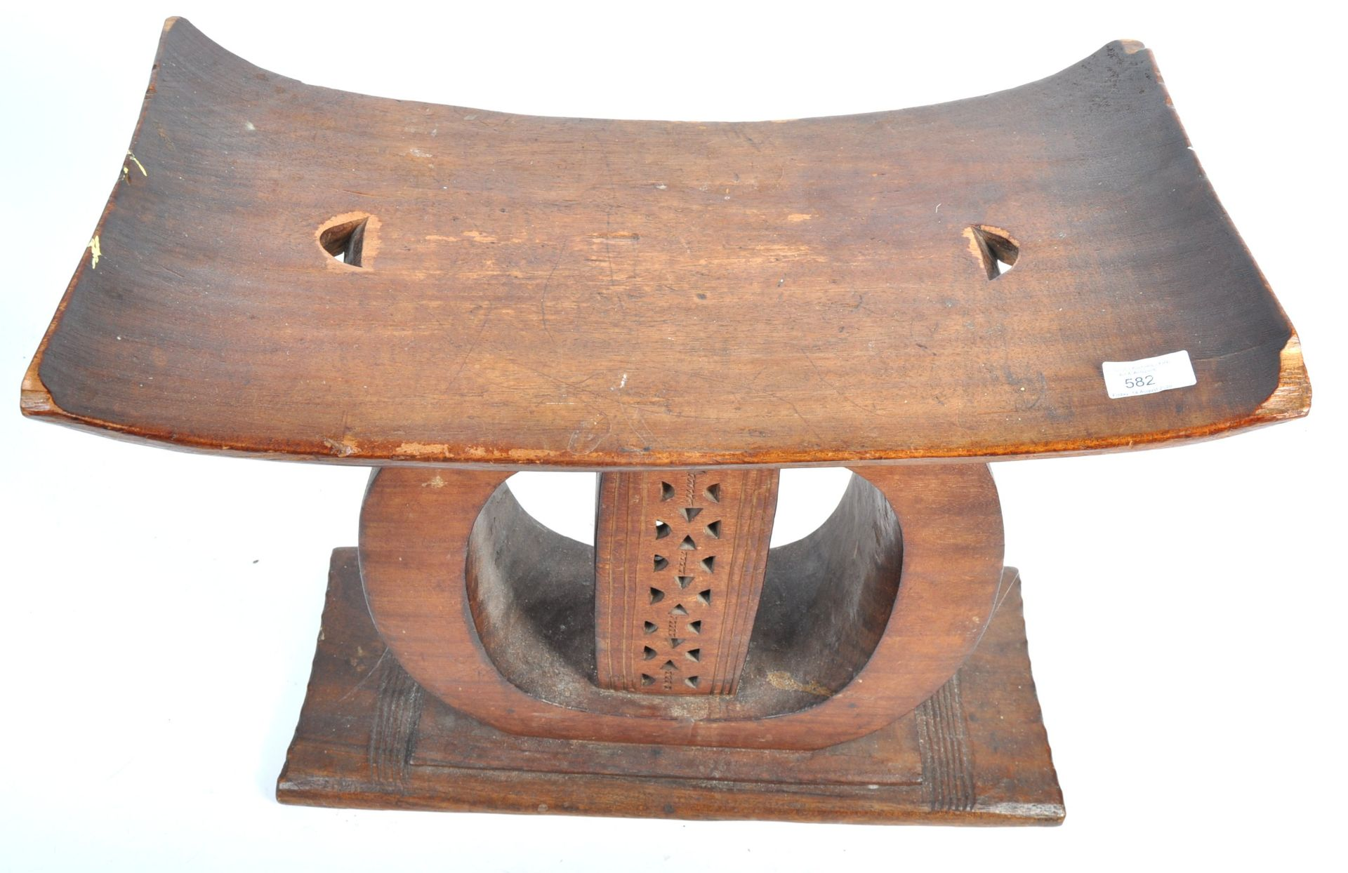 Los 582 - TRIBAL ANTIQUITIES - EARLY 20TH CENTURY AFRICAN ASHANTI STOOL