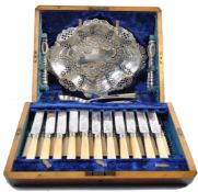 VICTORIAN CASED SET OF SILVER PLATED FLATWARE