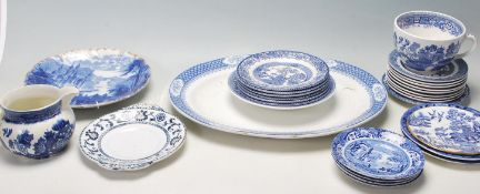 A COLLECTION OF WILLOW BLUE AND WHITE POTTERY CERA