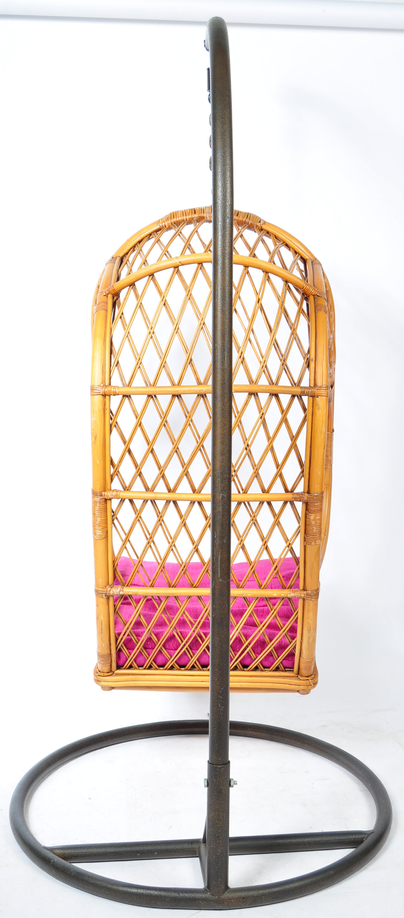 HANGING BASKET EGG SHAPED PENDULUM CHAIR OF WICKER CONSTRUCTION - Image 5 of 8