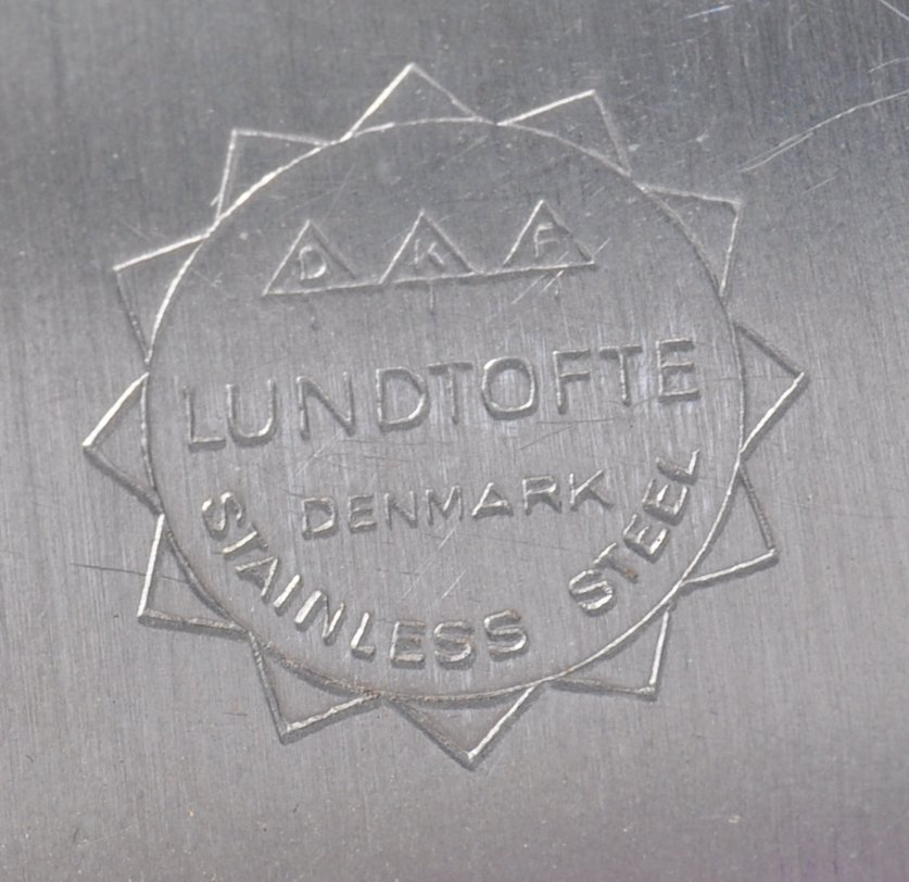 PAIR OF DANISH STAINLESS STEEL PLATES BY LONE SACHS FOR LUNDTOFTE - Image 7 of 8