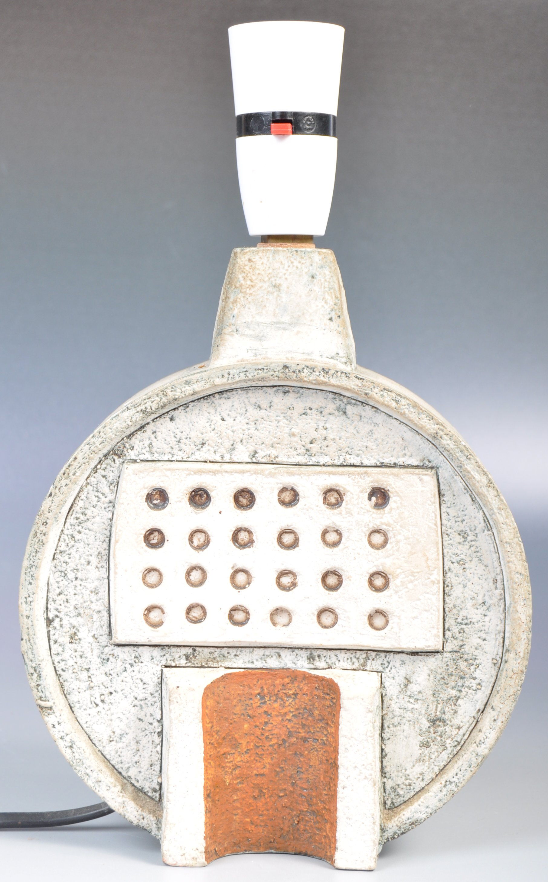 SIMONE KILBURN WHEEL VASE LAMP BY TROIKA - Image 4 of 6