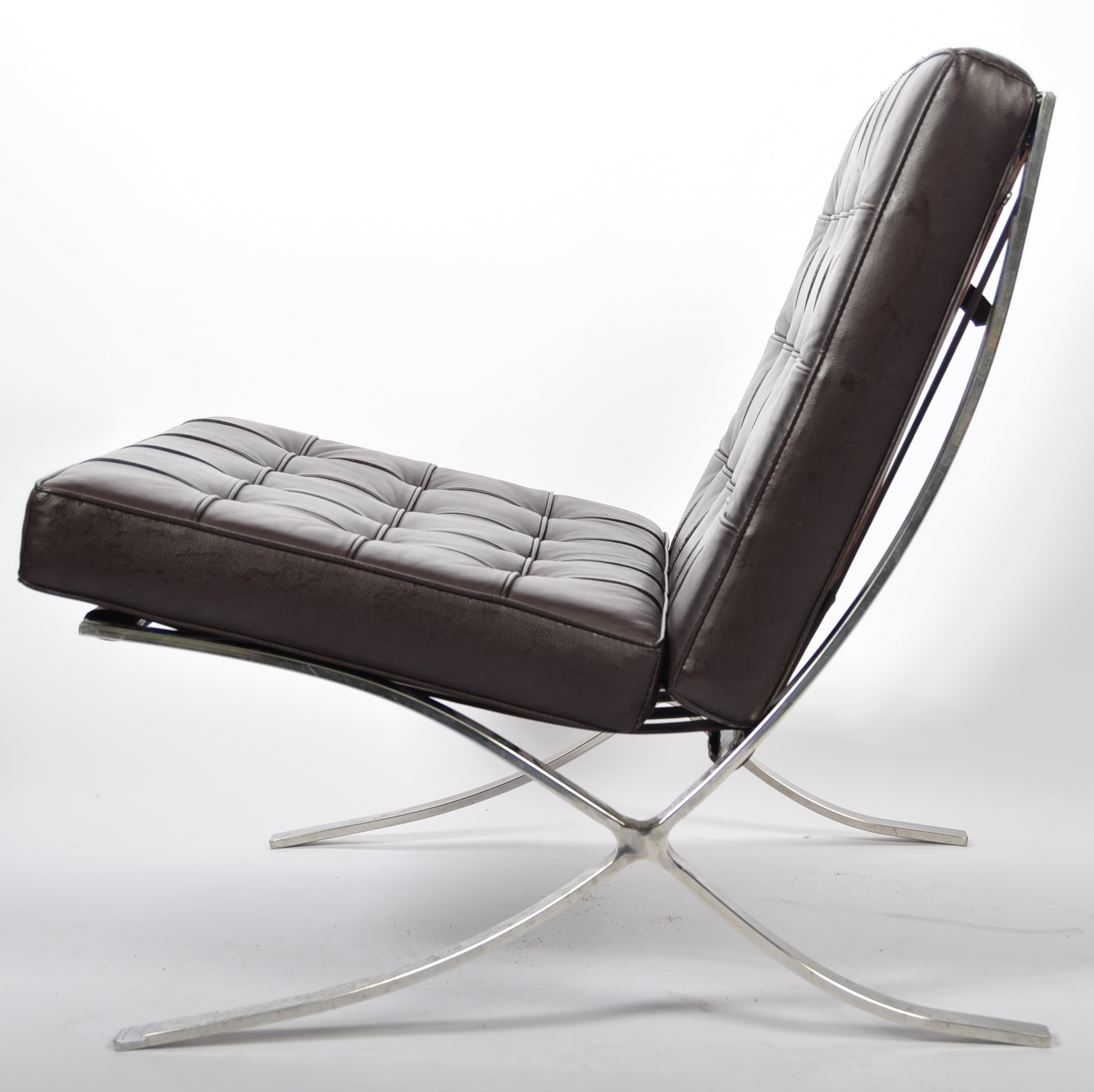 CHROME X-FRAME BARCELONA CHAIR IN BROWN LEATHER - Image 5 of 6