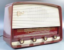 GUGLIELMO MARCONI MID CENTURY BAKELITE RADIO MODEL T69 DA