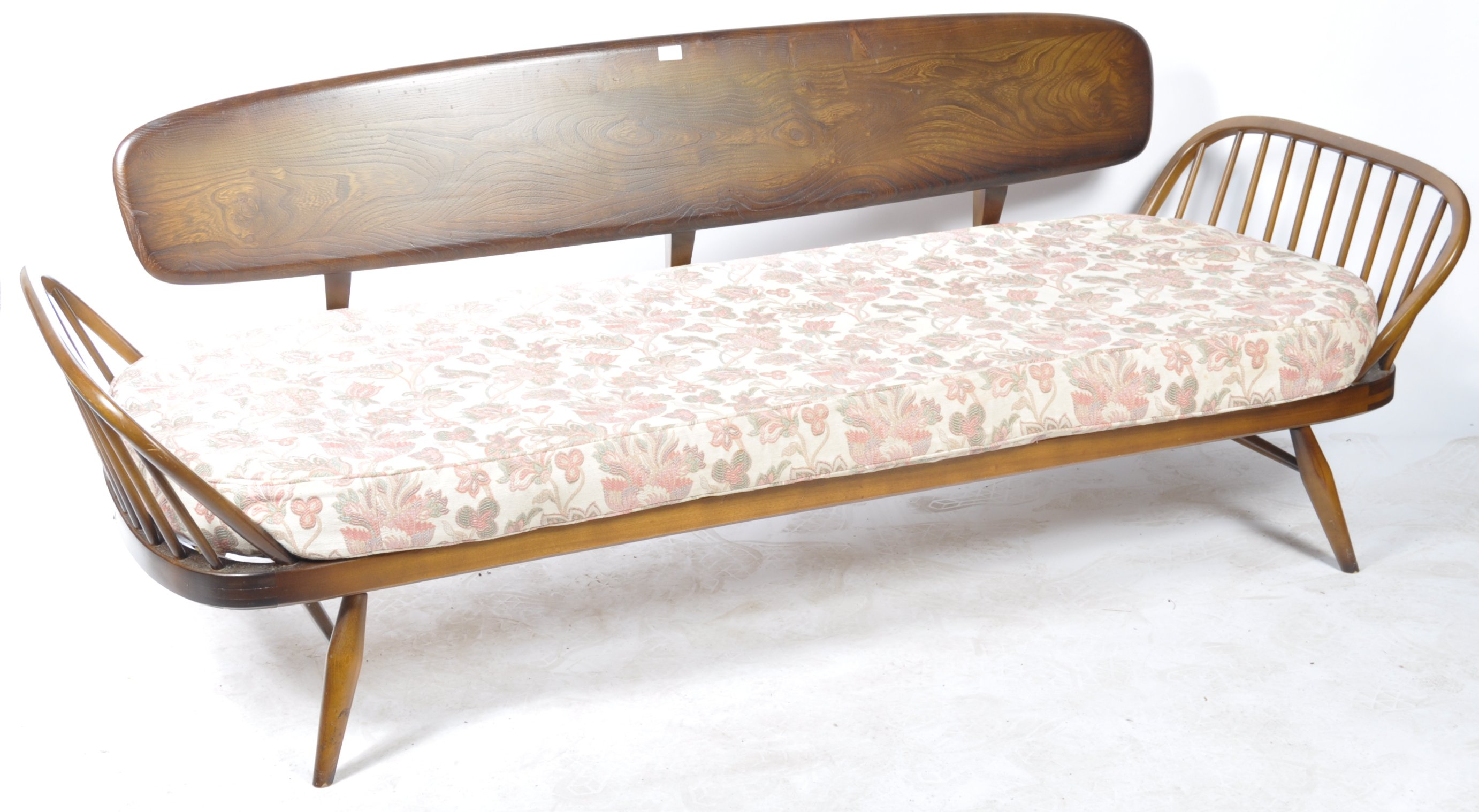 Lot 25 - LUCIAN ERCOLANI - ERCOL DAYBED SOFA SETTEE COUCH MODEL 355