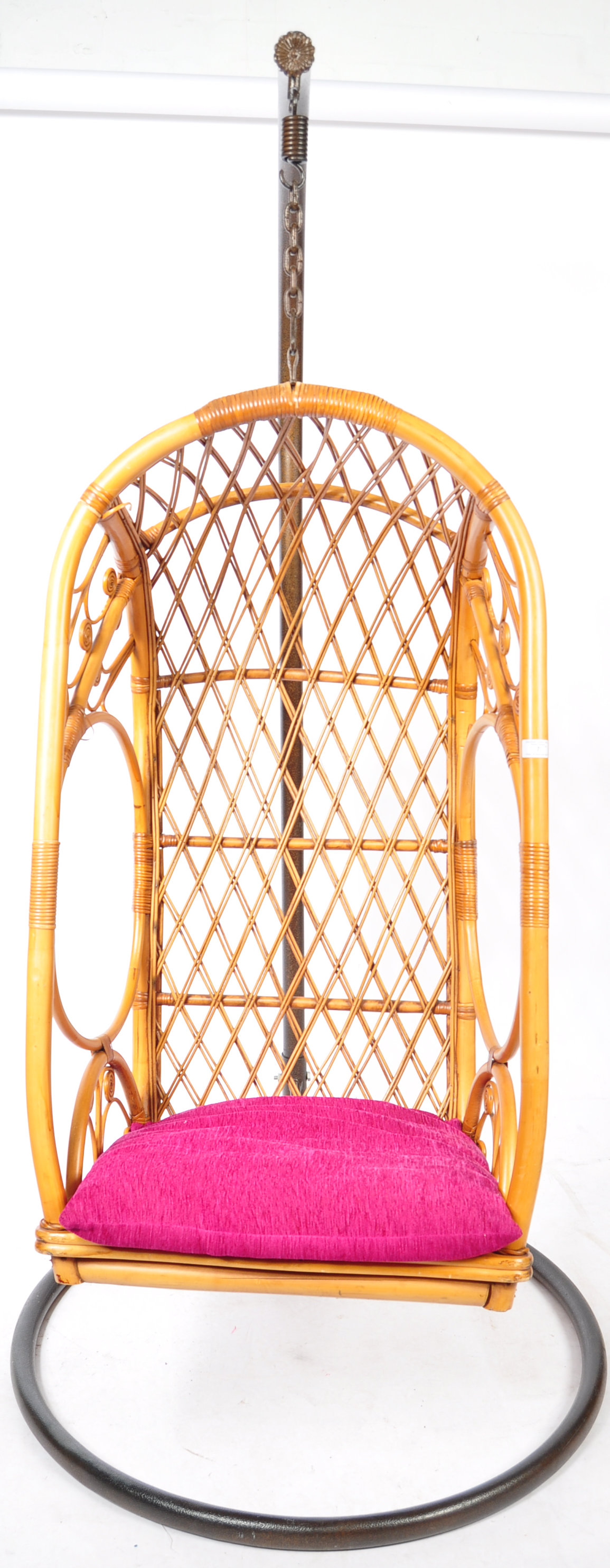 HANGING BASKET EGG SHAPED PENDULUM CHAIR OF WICKER CONSTRUCTION - Image 7 of 8
