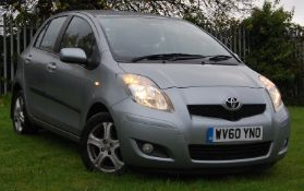 FIVE SEATS 2010 TOYOTA YARIS CITY CAR 1.3CC PETROL ENGINE/ AUTOMATIC TRANSMISSION