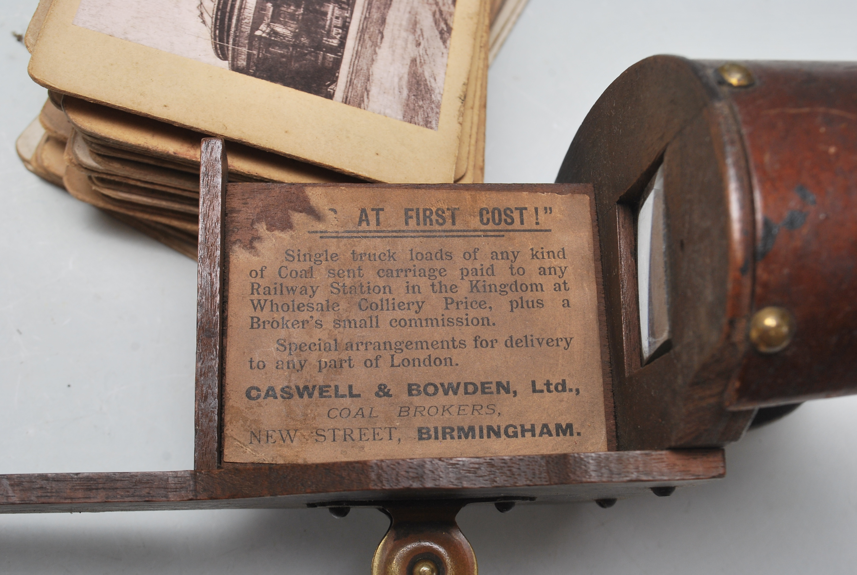 A LATE 19TH CENTURY VICTORIAN STEREOSCOPE VIEWER WITH SLIDES OF LONDON, BIRMINGHAM AND SOUTH AFRICA - Image 3 of 5