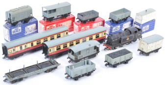 COLLECTION OF ORIGINAL VINTAGE HORNBY DUBLO TRAINS