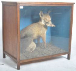 Online 20th Century Interiors Auction - Worldwide Postage, Packing & Delivery Available On All Items