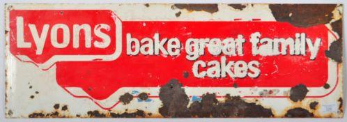 LYONS FAMILY CAKES ENAMELED ADVERTISING POINT OF S