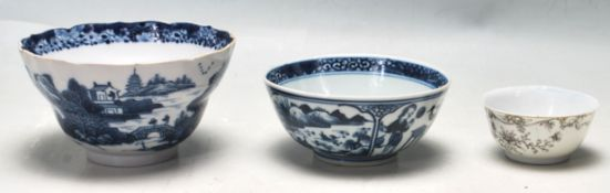 CHINESE 19TH CENTURY PORCELAIN BOWLS