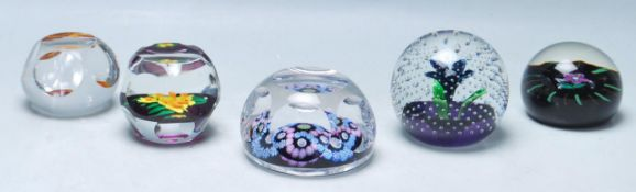 LATE 20TH CENTURY VINTAGE STUDIO ART GLASS PAPERWEIGHTS