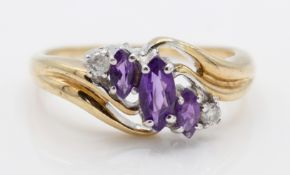 A 9ct Gold Amethyst & Diamond 5 Stone Ring