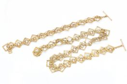 A Hallmarked 9ct Gold Necklace & Bracelet Suite