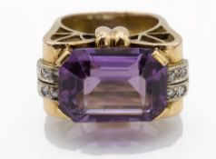 A Retro Gold Amethyst & Diamond Ring.