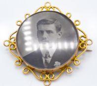 A 9ct Gold Locket Brooch Pendant Combination