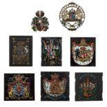 8 Wappenschilder, wohl überwiegend<