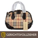 BURBERRY Henkeltasche, NP.: ca. 1.300,-€.<b