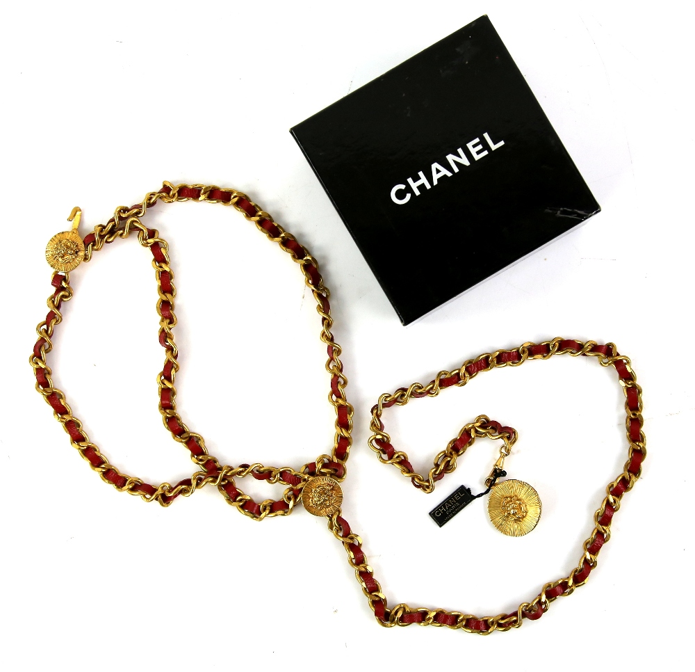 Lot 2006 - 1980s Vintage Chanel 3 gold and red leather chain belt, boxed, Chanel tag 14642. 89cm long