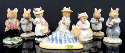 Large collection of Royal Doulton Brambly Hedge mice (28 in lot)