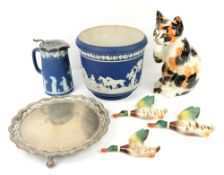 Various blue and white ceramics, oriental plates, set of 3 flying ducks, Wedgwood jasperware and a