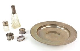 Modern silver armada dish, by Reid & Sons Ltd., London, 1988, three napkin rings and two silver