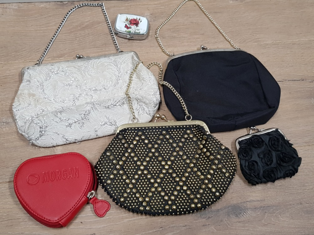 Lot 443 - 3 VINTAGE EVENING BAGS, 2 PURSES AND PILL BOX